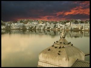 Sunset_view_of_the_Pushkar_Lake