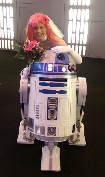 R2D2 and Kriegers Virtual Girlfriend