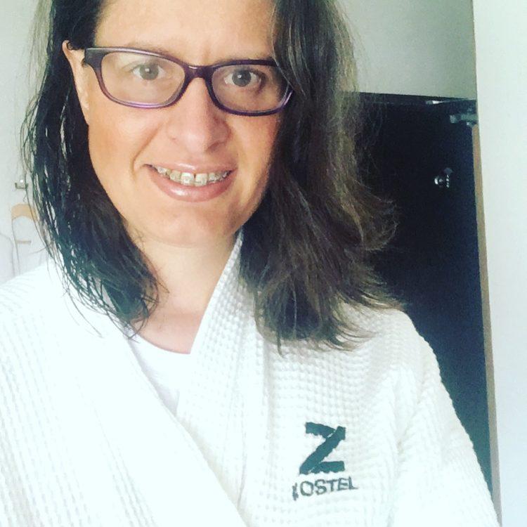 z-hostel-amy-in-dressing-gown
