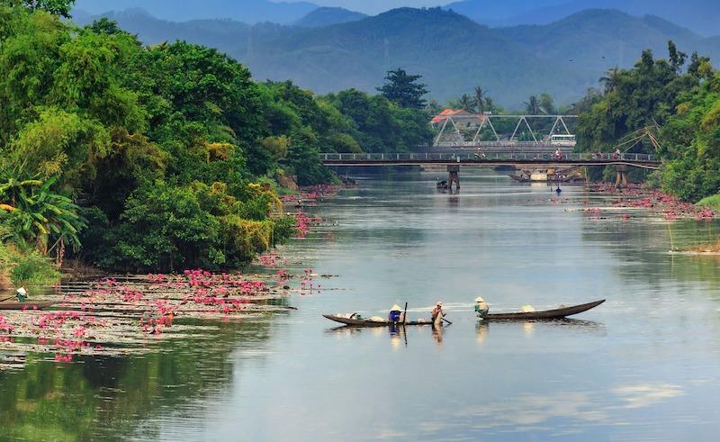 huong river hue Vietnam